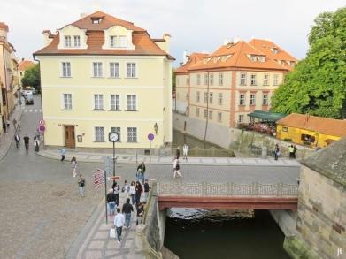 2017-07-14 Prag_13 (CK) über und unter die Karlsbrücke (4) Brücke über den Teufelsbach