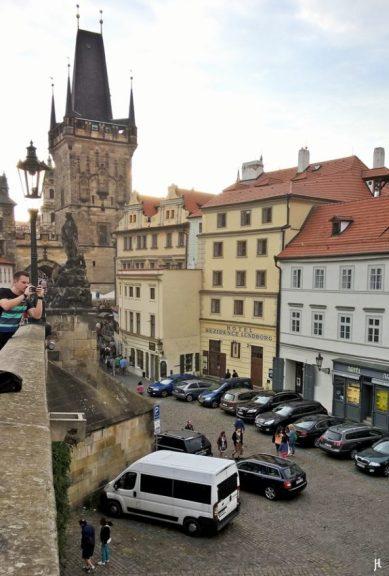 2017-07-14 Prag_6 (NH) über die Karlsbrücke (6) zum Kleinseitner Brückenturm