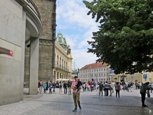 2017-07-15 Prag_12 Am Graben (22) 988/31 Palác Príkopy + Pulverturm + Gemeindehaus (Obecní dum)