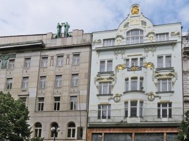 2017-07-15 Prag_12 Am Graben (8) 390/3 Wiener Bankverein + 391/7 Dörflerhaus