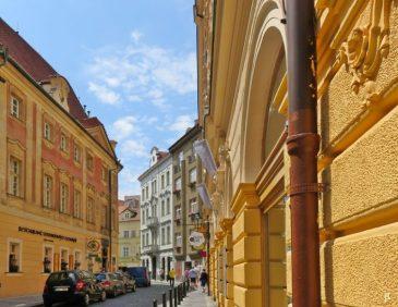 2017-07-15 Prag_15 zurück durch die Altstadt (12) Týnská