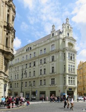 2017-07-15 Prag_15 zurück durch die Altstadt (16) Kozí Ecke Dlouha