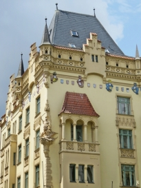 2017-07-15 Prag_15 zurück durch die Altstadt (27) Siroka - Ecke Parizská 15
