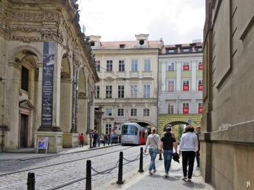 2017-07-15 Prag_15 zurück durch die Altstadt (46) Kreuzherrengasse-Salvatorkirche