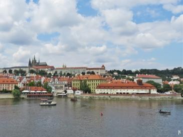 2017-07-15 Prag_16 zurück über die Karlsbrücke (3) Blick zum Hradschin