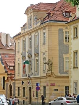 2017-07-15 Prag_17 nachmittags Kleinseite (sonnig) (42) U Lužického semináre - Misenská