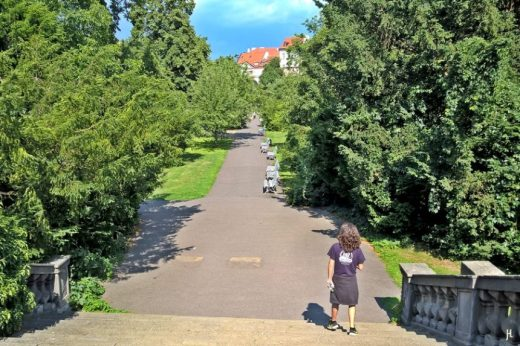 2017-07-15 Prag_17 nachmittags Kleinseite (sonnig) (NH1) Vojan-Park, Treppe