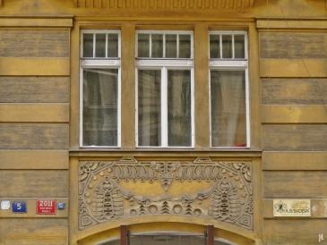 2017-07-15 Prag_7 Neustadt_1 (12) Náplavní Hausnr. 2011-5 Fenster+Türelement