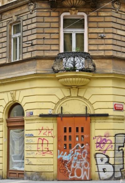 2017-07-15 Prag_7 Neustadt_1 (15) Ecke Myslíkova- Pštrossova Hausnr. 207-11