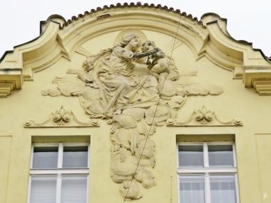 2017-07-15 Prag_7 Neustadt_1 (28) Myslíkova Hausnr. 1998-30