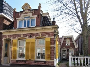 2019-04-09 NL Delfzijl (5) Singel - Häuschen von 1885