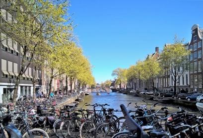 2019-04-10 NL Amsterdam Utrechtestraat Herengracht (1) mit Walter Süskindbrug