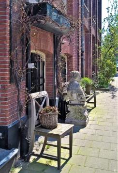 2019-04-11 NL Amsterdam De Pijp (14) Hemonystraat - ein bisschen Grün+Schön