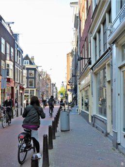2019-04-11 NL Amsterdam Nieuwe Spiegelstraat (1) 9h25