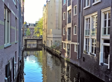 2019-04-12 NL Amsterdam morgens (23) Herengracht - Beulingsloot