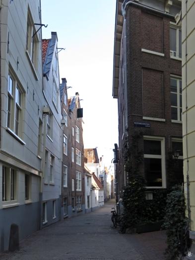 2019-04-12 NL Amsterdam morgens (34) Spui bzw. Rozenboomsteeg + Gedempte Begijnensloot