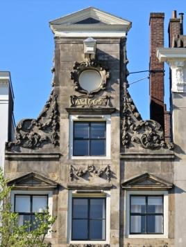 2019-04-12 NL Amsterdam morgens (8) Herengracht 402 Halsgiebel Anno 1665