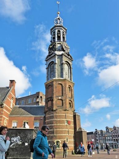 2019-04-13 NL Amsterdam morgens (14) Muntplein - Munttoren bzw. Münzturm