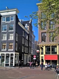 2019-04-13 NL Amsterdam Singel (28) Gasthuismolensteeg