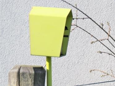 2019-05-10 LüchowSss Garten Rundgang Abend (64) Sumpfmeise + Nistkasten