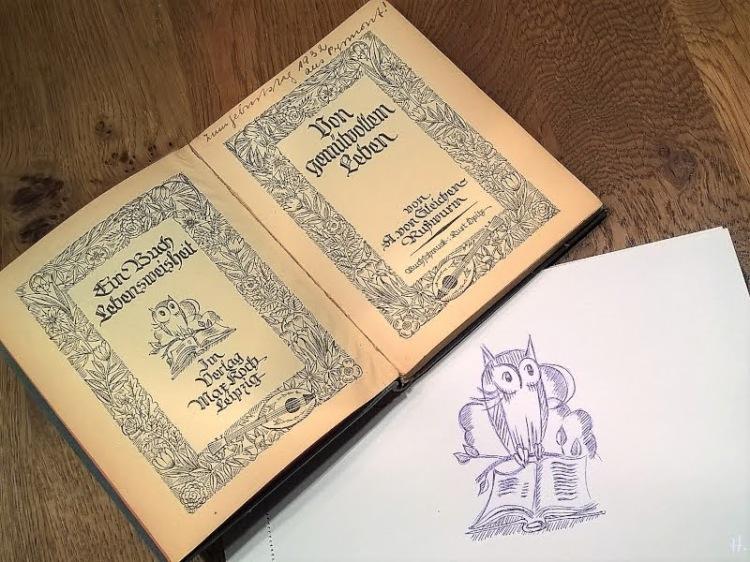 2019-01-28 Eule mit Buch (Illustration von Kurt Opitz, Leipzig 1924, 'Vom gemütvollen Leben', A. von Gleichen-Rußwurm) & Zeichenübung Nr 12