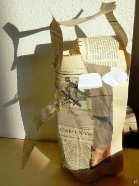 Foto von 2006-10 L's Zeitungspapier-Eule